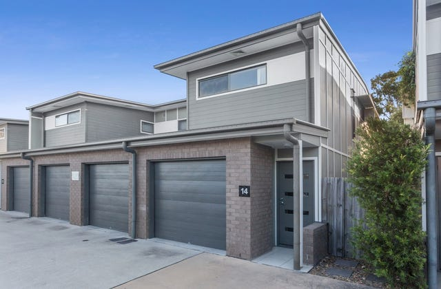 Easy Maintain Townhome In Fitzgibbon