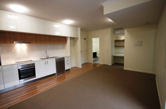 Spacious Apartment – Air-conditioning And Secure Parking