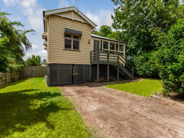 11 Atkinson Street, South Toowoomba, Qld 4350