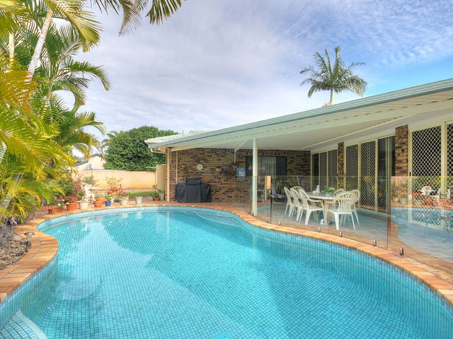 7 Curacao Place, Clear Island Waters, Qld 4226