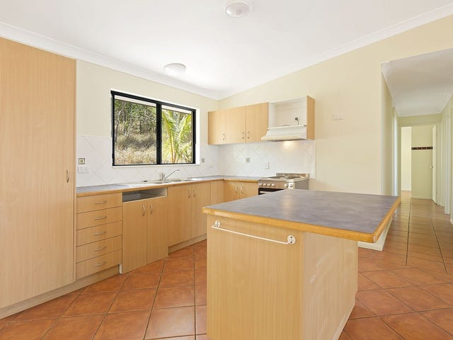 Unit 2/12 Duell Road, Cannonvale, Qld 4802