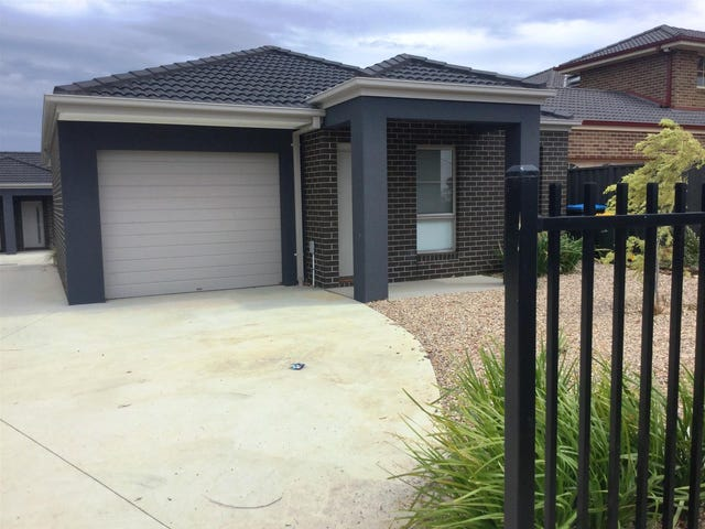 2/17 Manor Lakes Boulevard, Wyndham Vale, Vic 3024