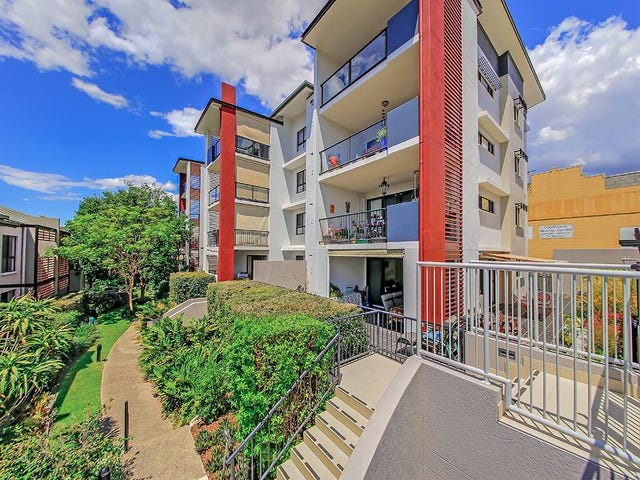 4/11-15 Kitchener Street, Coorparoo, Qld 4151