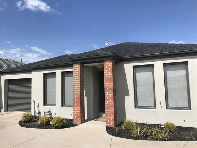 5 Nikolai Place, Clyde North, Vic 3978