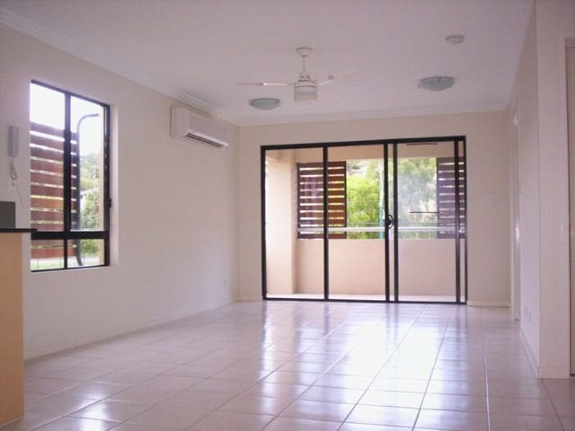 Unit 4/1996 Gold Coast Highway, Miami, Qld 4220