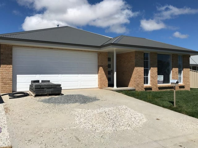 75 Molloy Drive, Orange, NSW 2800