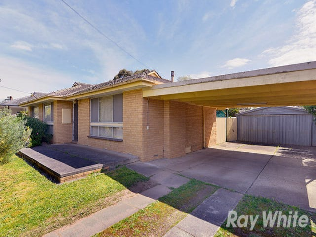 17 Narong Crescent, Knoxfield, Vic 3180