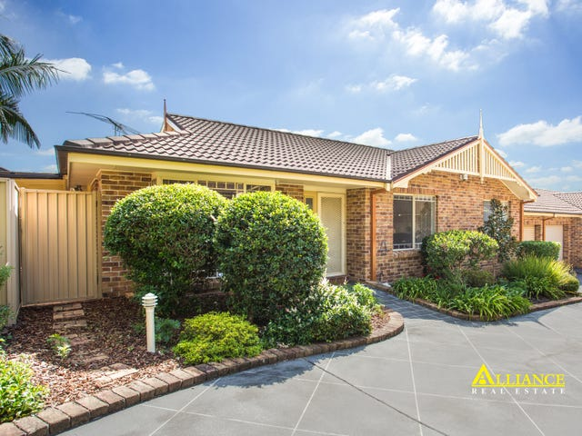 7/827 Henry Lawson Drive, Picnic Point, NSW 2213