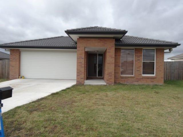 33 Peregrine Drive, Lowood, Qld 4311