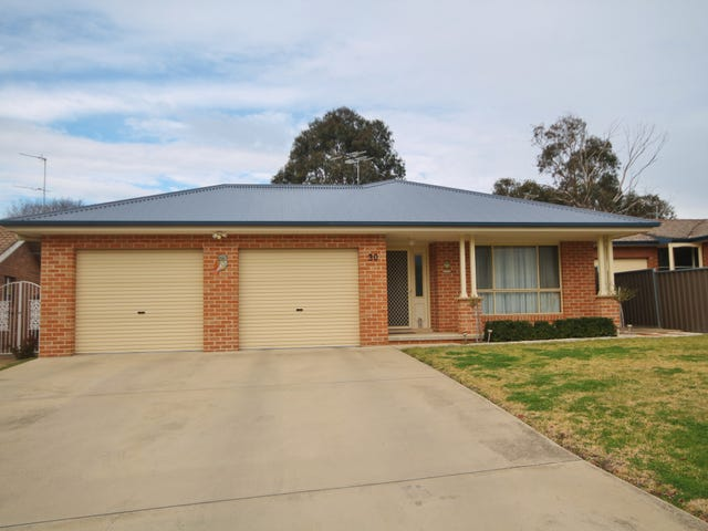 30 Dwyer Drive, Young, NSW 2594