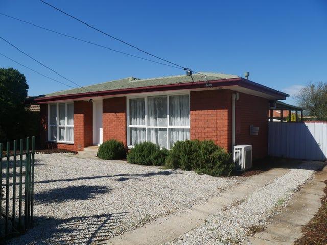 2 Kamil St, Melton South, Vic 3338
