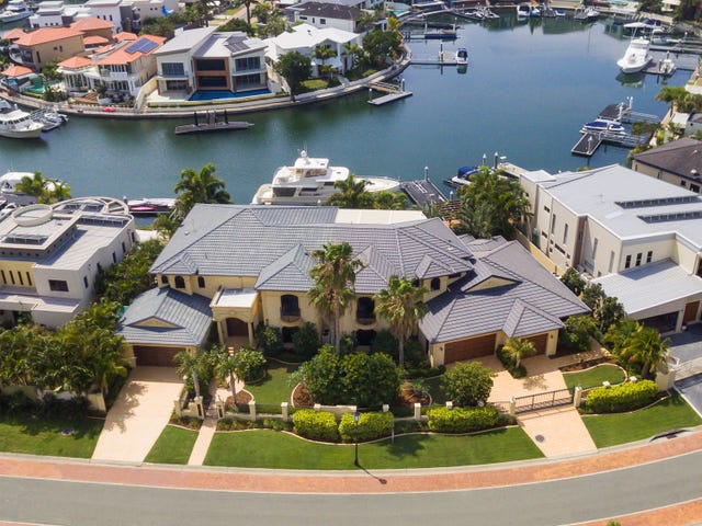 35-37 King Charles Drive, Sovereign Islands, Qld 4216