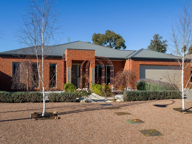 18 Phyllis Crescent, Castlemaine, Vic 3450