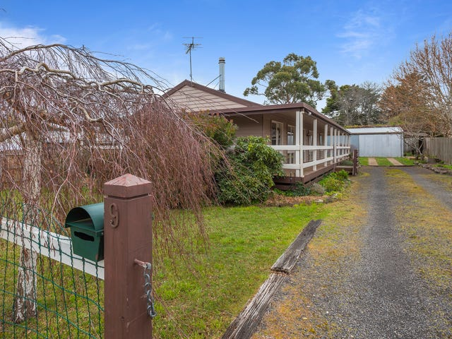9 Anne Road, Woodend, Vic 3442