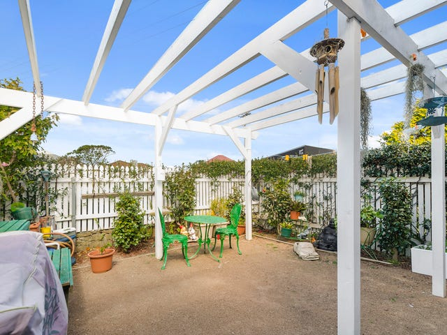 1/246 Lawrence Hargrave Drive, Thirroul, NSW 2515