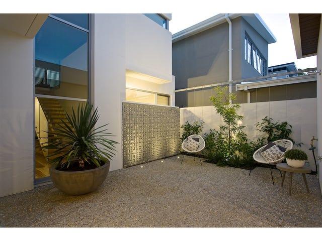 18 Omaroo Terrace, City Beach, WA 6015
