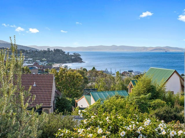20 Clearwater Court, Blackmans Bay, Tas 7052