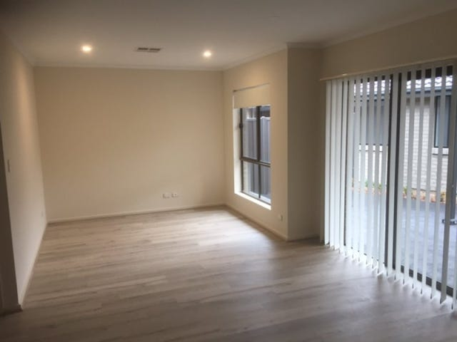 28B Warrigal Street, Para Hills, SA 5096