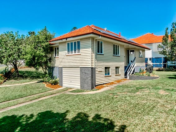 11 Bank Street, Windsor, Qld 4030