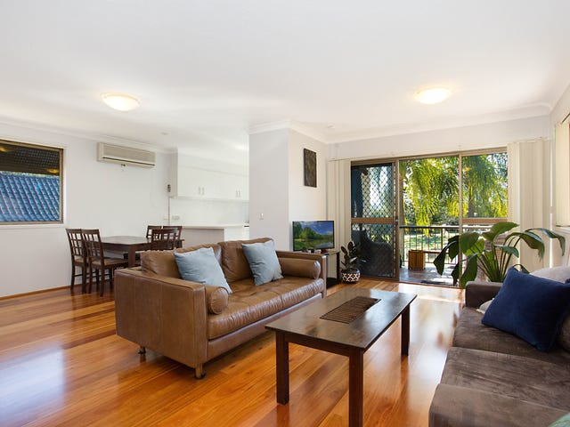 8 'Palm Trees' 16 St Kilda Avenue, Broadbeach, Qld 4218