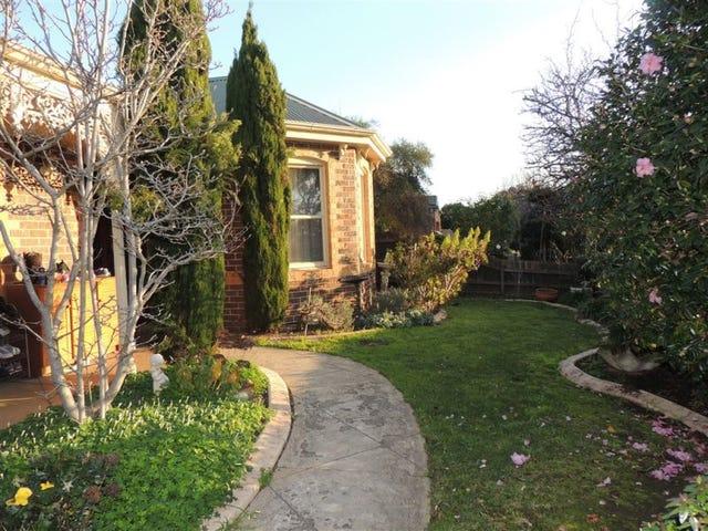 4 Blossom Grove, Knoxfield, Vic 3180