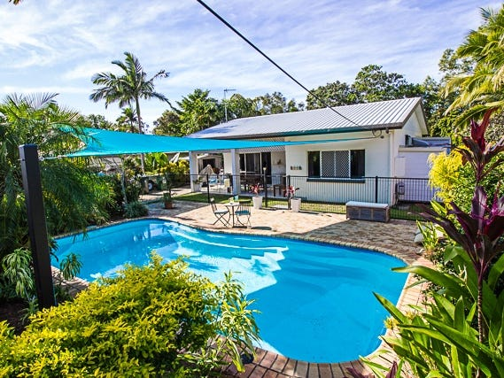 11 Escape Close, Clifton Beach, Qld 4879