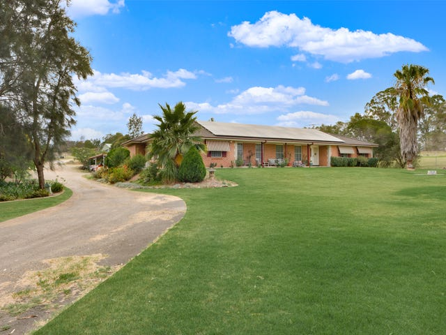 11 Eagleview Road, Minto, NSW 2566