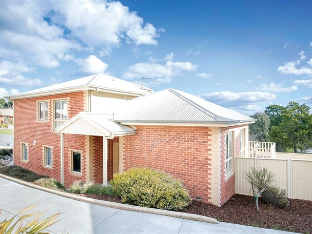 1/10 Manna Gum Heights, Mount Pleasant, Vic 3350