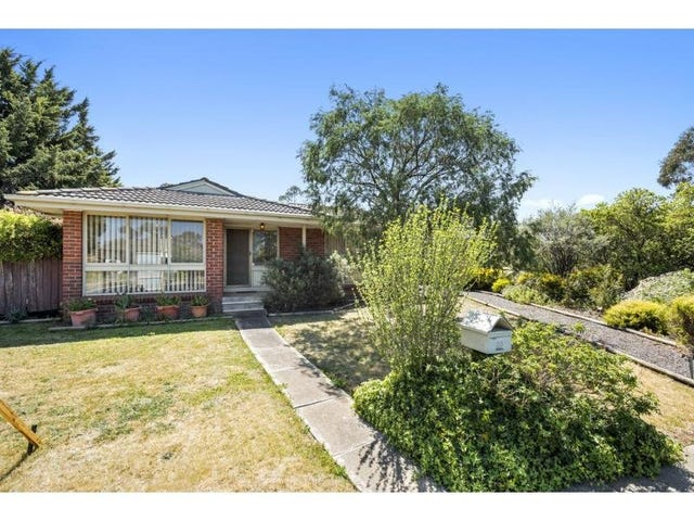 10 Linlithgow Way, Melton West, Vic 3337