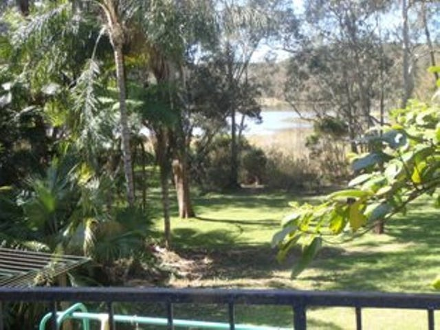 18 Lake Shore Drive, North Avoca, NSW 2260