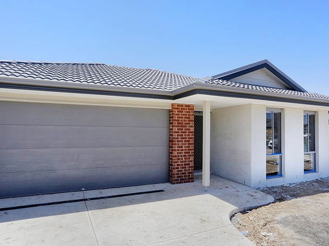 12 Thoroughbred Drive, Clyde, Vic 3978