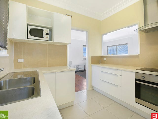 55 Heaslip Street, Coniston, NSW 2500