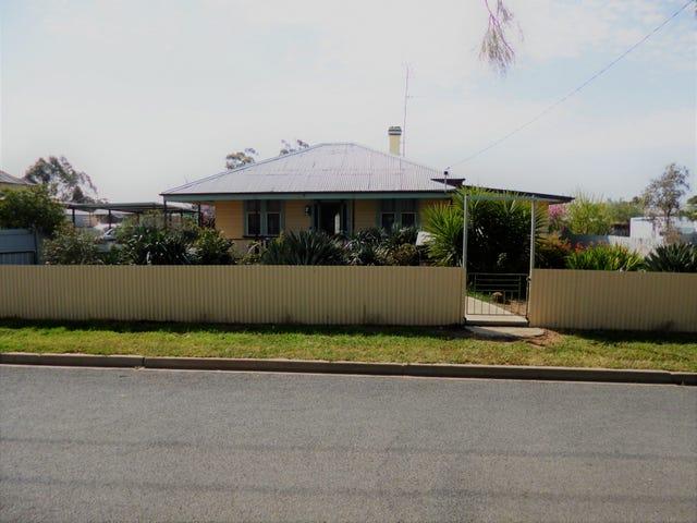 27 Hughes Street, Sea Lake, Vic 3533