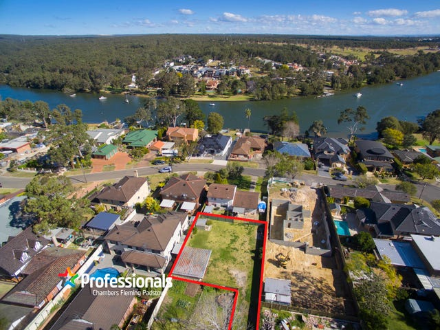 666 Henry Lawson Drive, East Hills, NSW 2213