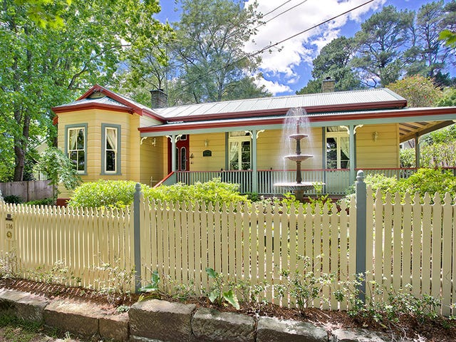 116 Falls Road, Wentworth Falls, NSW 2782