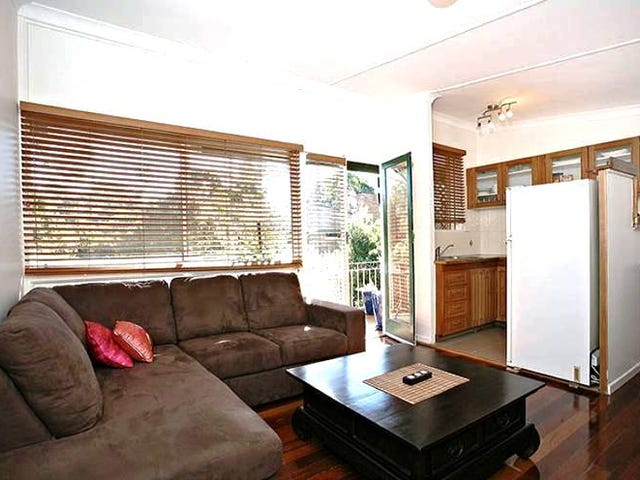 Yeronga, address available on request