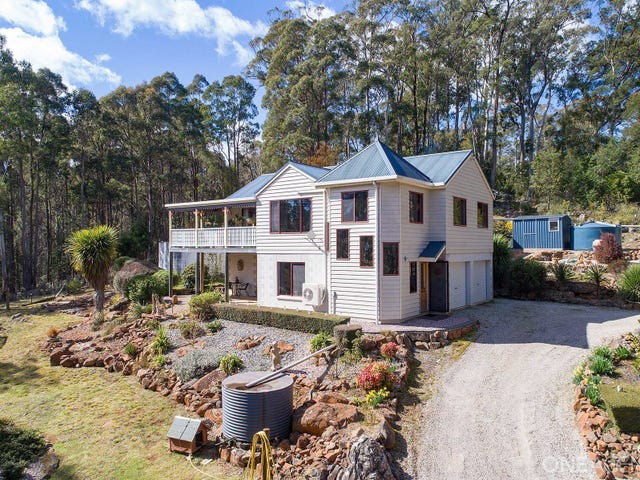 21 Johns Road, Deloraine, Tas 7304