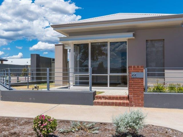 11 Carinata Crescent, Byford, WA 6122