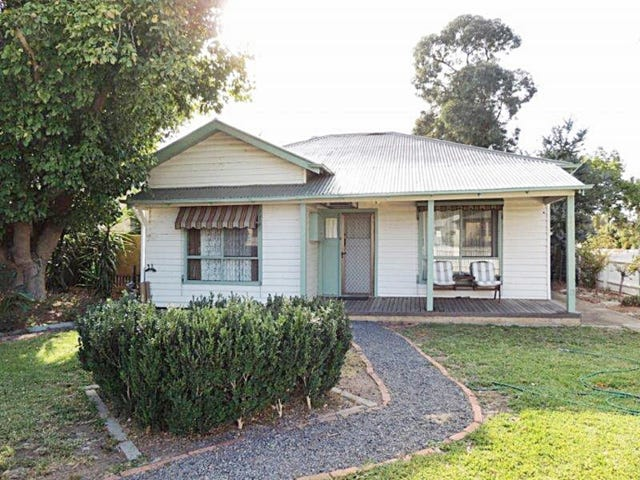 34 Ross Street, Tatura, Vic 3616