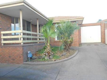 2/8 Preston Avenue, Endeavour Hills, Vic 3802