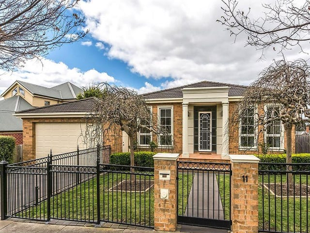 11 Highland Way, Highton, Vic 3216