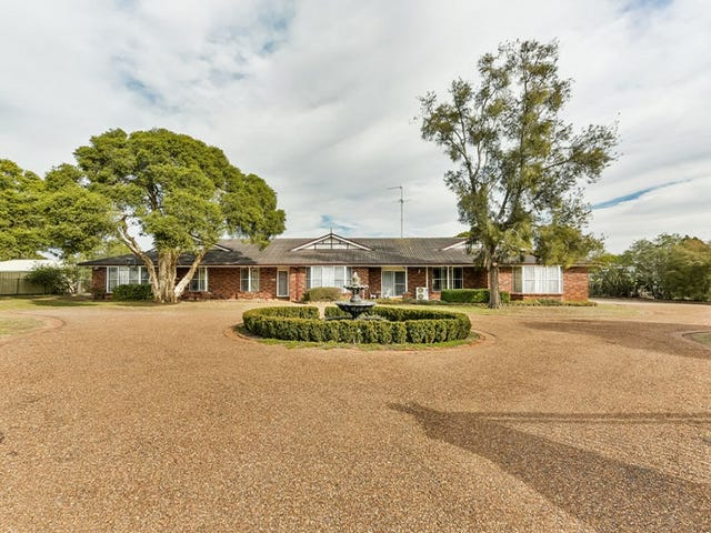 3 Bonnie Field Close, Catherine Field, NSW 2557