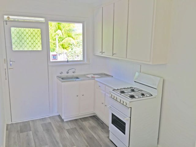 Unit 4/24 Bostock Avenue, Manifold Heights, Vic 3218