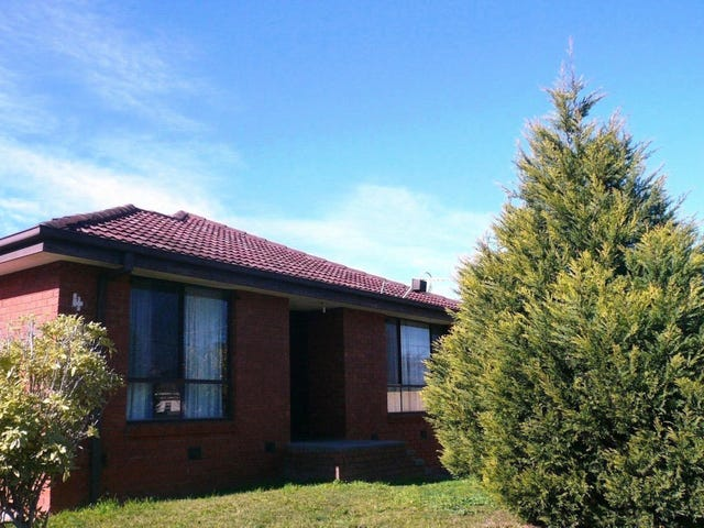 1/4 Normanby Street, Hughesdale, Vic 3166