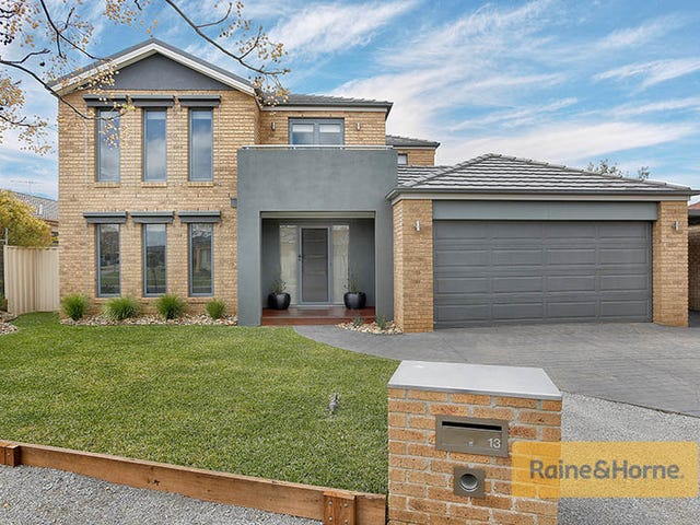 13 Rotarian Place, Melton West, Vic 3337