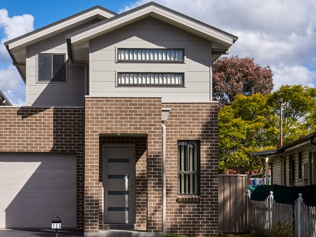 12A Labuan Road, Holsworthy, NSW 2173