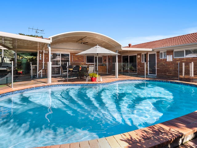 4 Stoddart Court, Carindale, Qld 4152