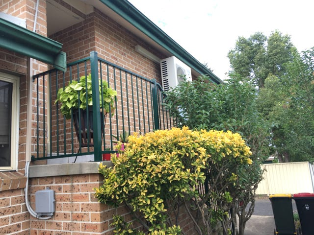 2/240 MACQUARIE STREET, South Windsor, NSW 2756