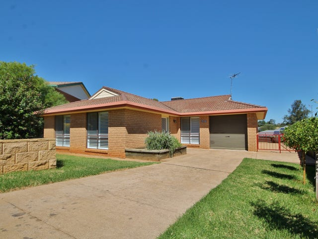 24 Dwyer Drive, Young, NSW 2594