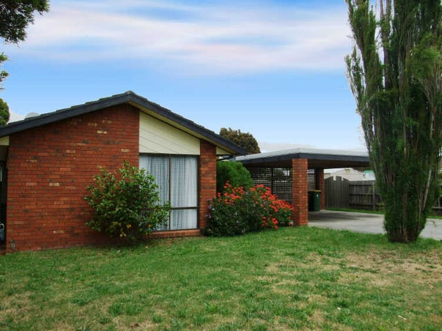 39 Howey Road, Pakenham, Vic 3810